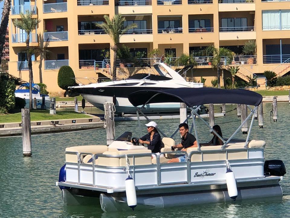 JUGARNIA NAUTIC Barco sin licencia en Sotogrande Cádiz