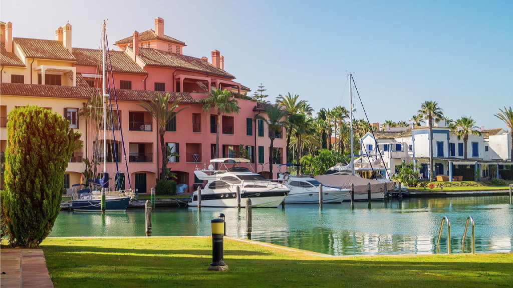 Fun in Sotogrande Rent a boat without a license
